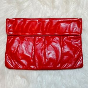Vintage red clutch bag with a retro vive